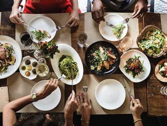 Пища на столе